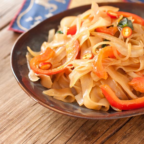 Drunken noodles from Twelve Terrific Thai Recipes e-book | Recipe Renovator